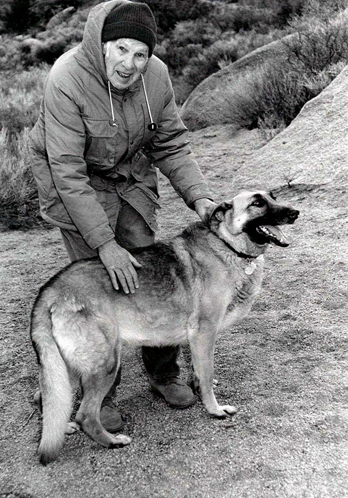 John Randall (Dad) with his dog, Sandia Mountains, Albuquerque, (...)