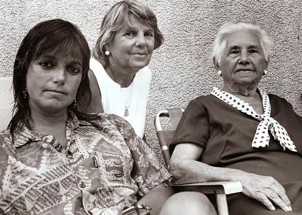 Daughter, Mother, Grandmother, Santa Lucia del Este, Uruguay