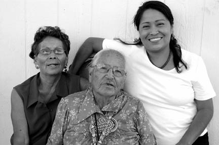 Carol, Eva, and Valerie, Grandmother, Mother and Daughter, Sheep Springs, (...)