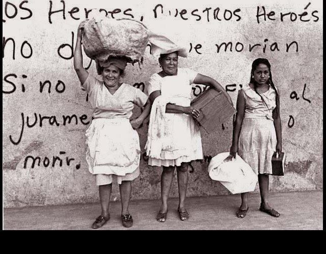 Women with Wash, Standing in front of Wall with Lines from a Rugama Poem, Tipitapa